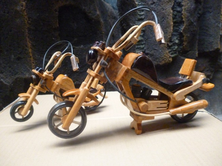 MINIATURE VEHICLES OF CRAFTS OF WOOD3