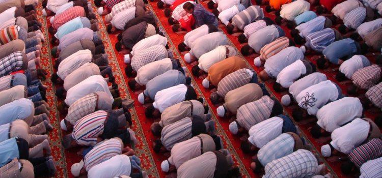 11 Amalan Sunnah di Hari Jum'at yang Mulia