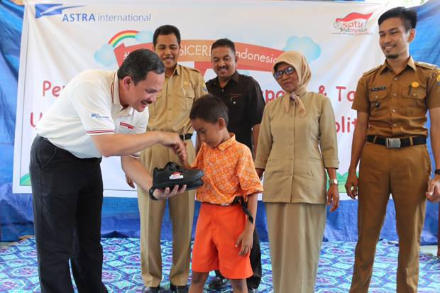 Astra Share 3000 Post 500 Shoes and Bags in Tolitoli-Mentawai