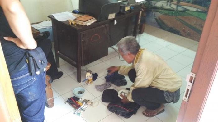 Suspected Bomb Turns Bag Containing Clothes